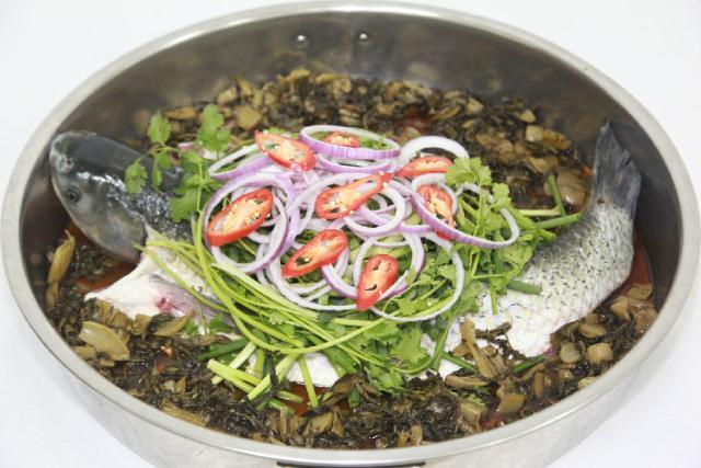 丰收碗农家乐的食材都是每天清晨从鹤山的田间运过来的,为的就是要让